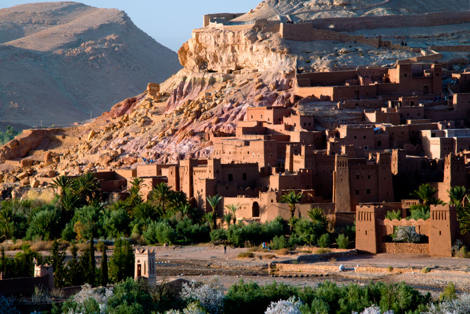Morocco-travel-tours-at-Ait benhaddou